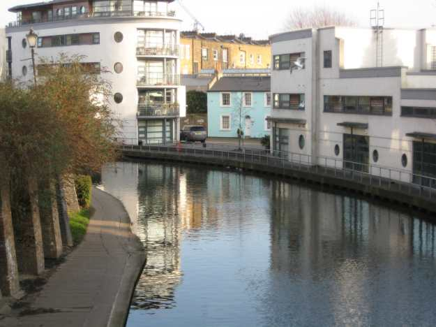 Recovery Time for your Special Correspondent: the Grand Union Canal near Camden Road Station.