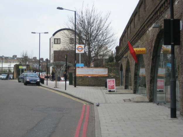 Look this way for Clapham High Street …