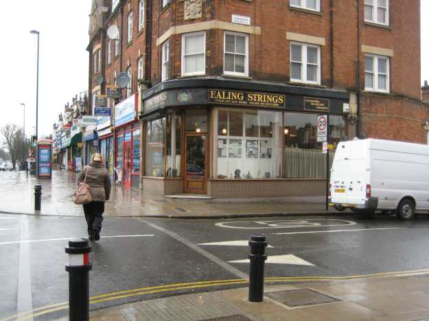 Ealing Strings - Violin and Bow Makers Dealers and Restorers.