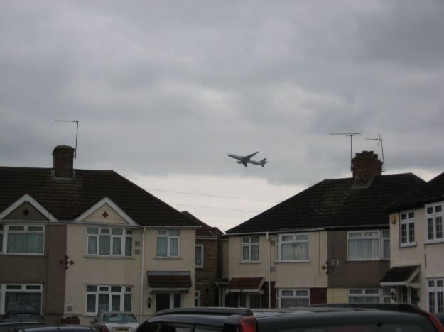 Plane over Waye Avenue, near Hatton Cross. They come in much nearer and much lower. Honest.