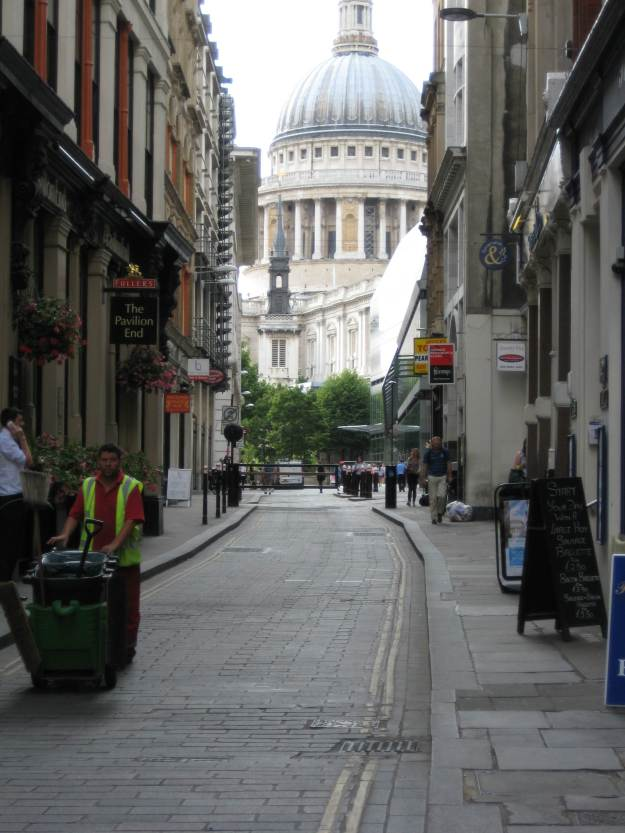 St Paul's with Paulish street-cleaner.
