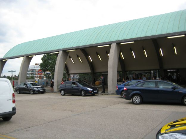 Newbury Park station: one small newsagents and one humungous concrete hangar.