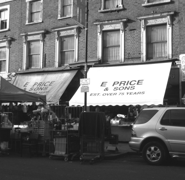 Price's Fruit & Veg Shop: wonderful relic from Lundun past, circa 1950s.